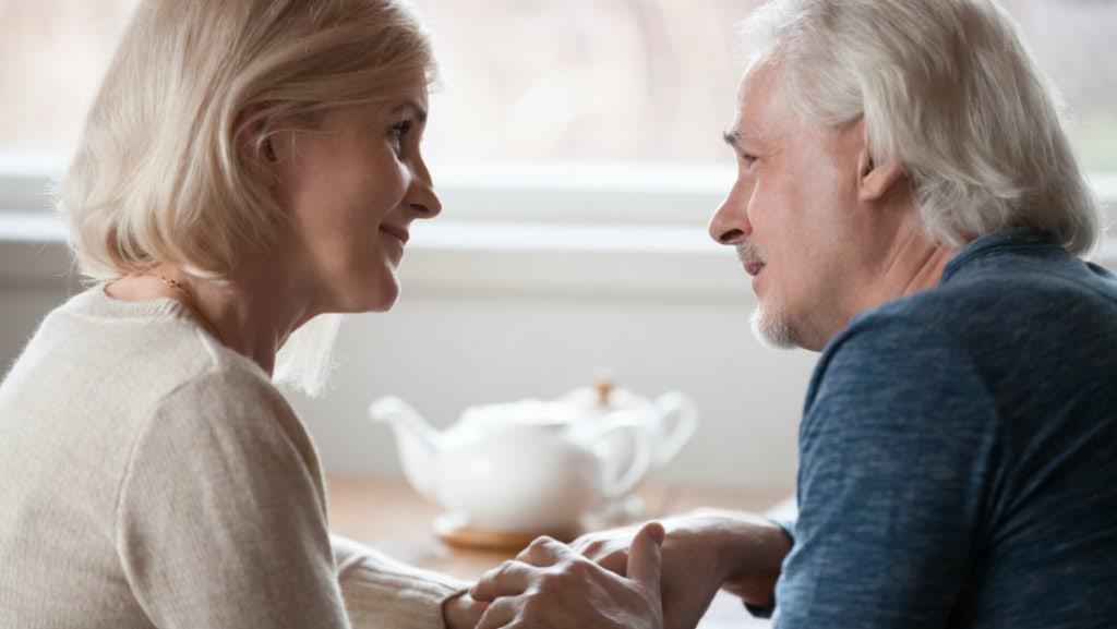 DESEO® • Mit dem Partner oder der Partnerin über sexuelle Schwäche sprechen.
